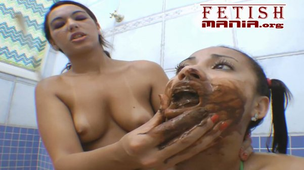 Nanda Lopez And Vivi - Scat Swallow By Giant Girl (720p)